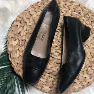 Vintage Ferragamo Heels 8.5